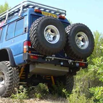 Soporte de rueda izquierda Kaymar para Nissan Patrol Y60