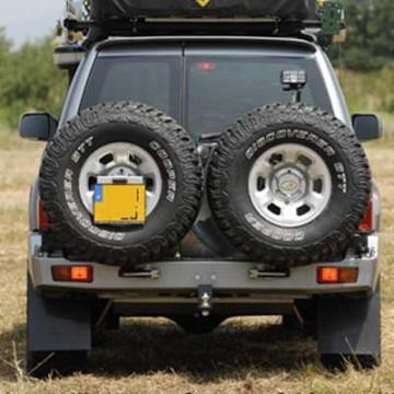 Soporte de rueda izquierda Kaymar para Nissan Patrol Y61